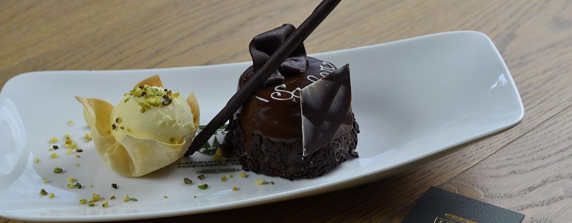 La Torta Sacher: storia di un ricco segreto culinario